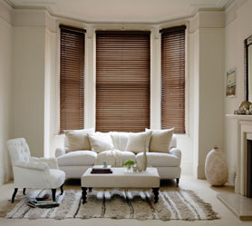 https://www.brentwoodshutters.com/wp-content/uploads/2017/04/Wooden-blinds.jpg